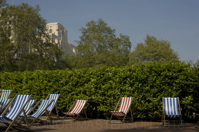 13_masterson_london_deck_chairs