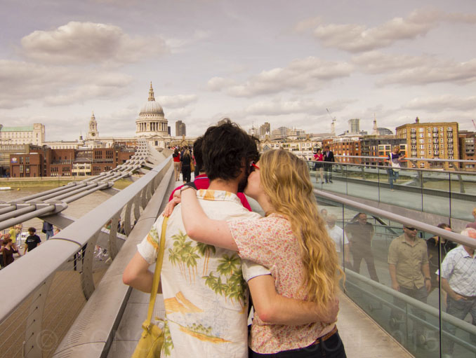 21_masterson_london_wobbly_bridge_love